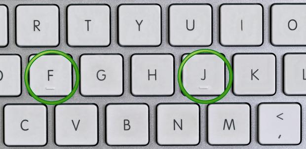 Zašto tipke F i J na tastaturi imaju male izbočine