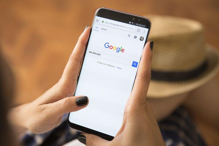 Kako pohraniti kontakte sa Google računa